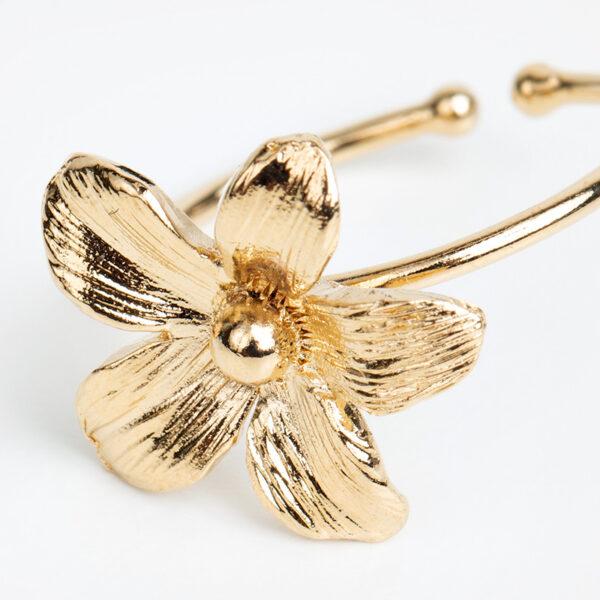 Laparitaine Bague Varda en or fin, ajustable, fleur, fond blanc, détails