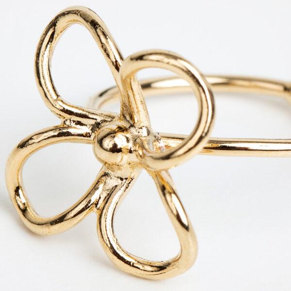 Bague Liane en or fin, ajustable, forme abstraite, fond blanc, détails