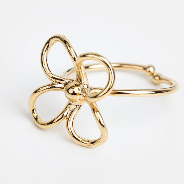Bague Lia en or fin, ajustable, forme abstraite, fond blanc